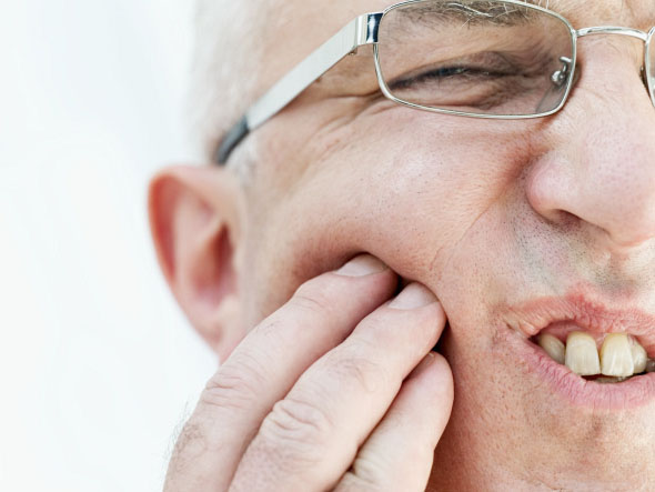 cara mengatasi sakit gigi, mengatasi sakit gigi, sakit gigi, obat sakit gigi, kesehatan gigi, sikat gigi, penyebab sakit gigi,